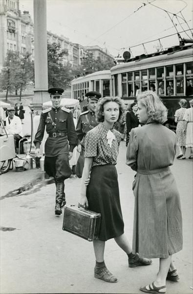 Cold War Era  Moscow Girls...Cartier Bresson photo, Moscow 1954