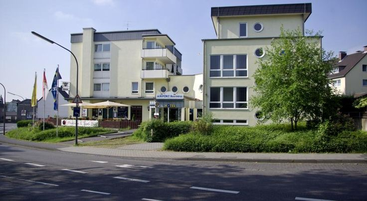 Airport BusinessHotel Köln Köln This 3-star hotel offers free Wi-Fi and an easily accessible location in the Porz-Eil district of Cologne, 3.5 km from Cologne-Bonn Airport. It is a 10-minute drive from the Lanxess Arena and the KölnMesse Exhibition Centre.