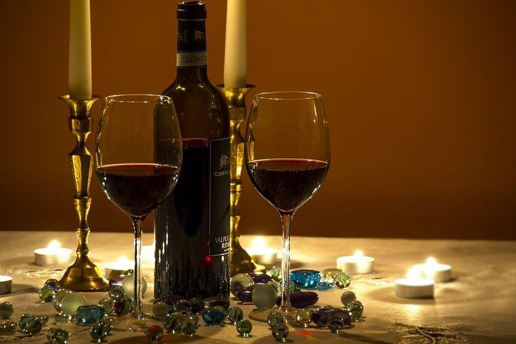 Kolekcja: sensei Linia: Harmony Kolor, zdobienie: bezbarwny   Sensei Collection to najwyższej jakości produkty, które dzięki nowoczesnej technologii produkcji uzyskują niepowtarzalny, płynny kształt.  przedstawione kieliszki do wina białego pochodzą z linii Harmony  pojemność 390ml wysokość 227mm ø 87mm klasyczny, ponadczasowy kształt