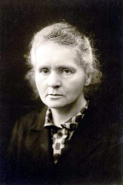 a biography of marie curie a physicist and chemist A polish-born scientist working in france, marie curie (1867-1934)  at the  paris municipal school of industrial physics and chemistry—his.
