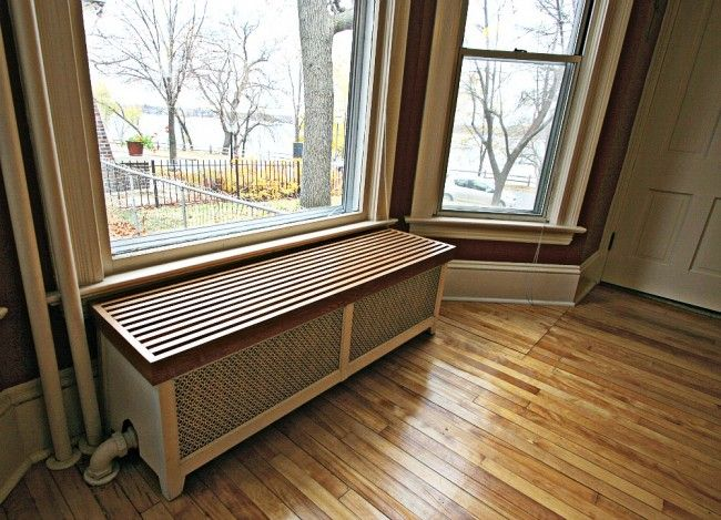 Bench covering radiator - cozy!