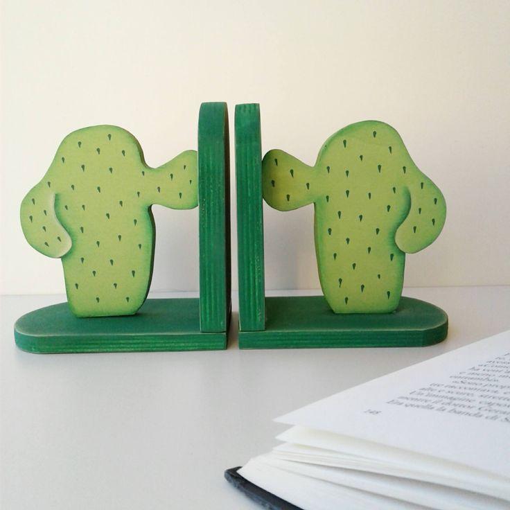 coppia di fermalibri verde in legno 'cactus' di feltriamo su Etsy