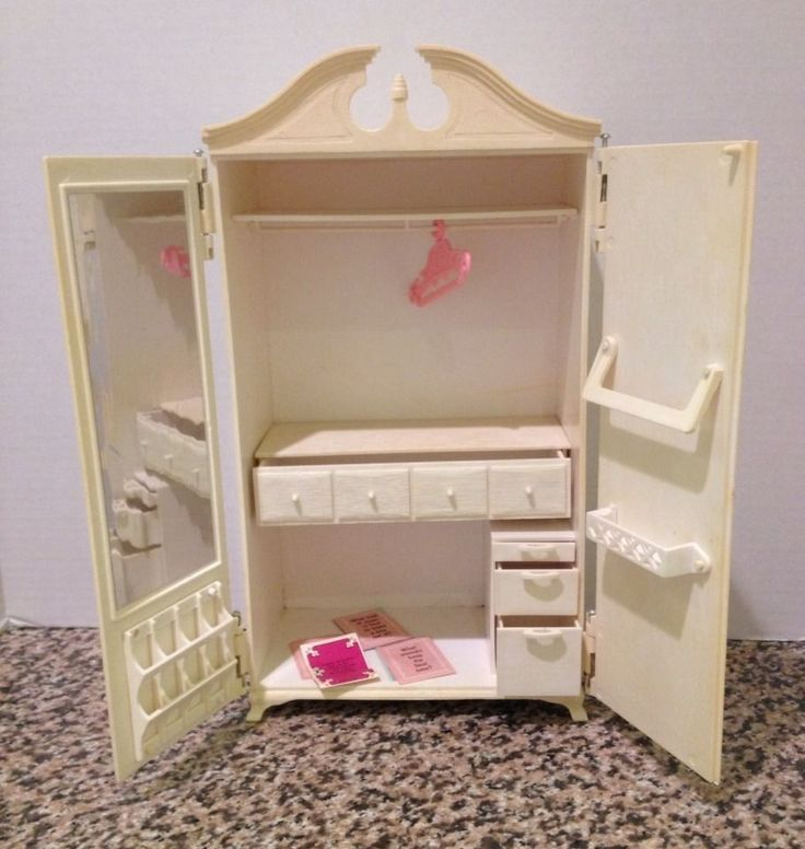 Best 25+ Barbie bedroom ideas on Pinterest   Barbie ...