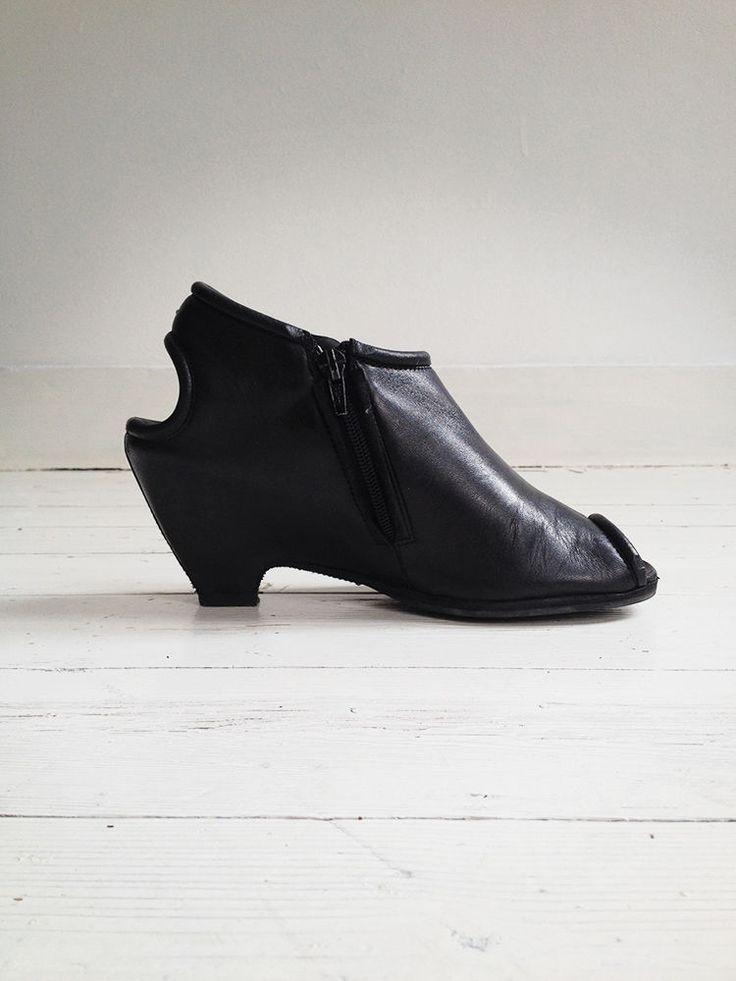 Maison Martin Margiela black peeptoe ankle boots 40 in Mode & Kleding, Damesschoenen, Sandalen & Slippers | eBay
