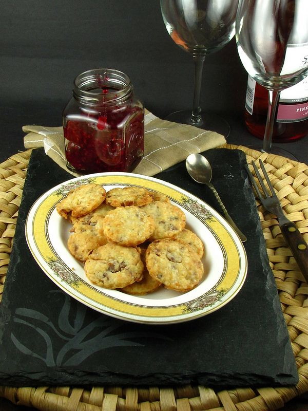 Bacon Parmesan Crackers, oh how I'd love a few RIGHT NOW! from @ ...