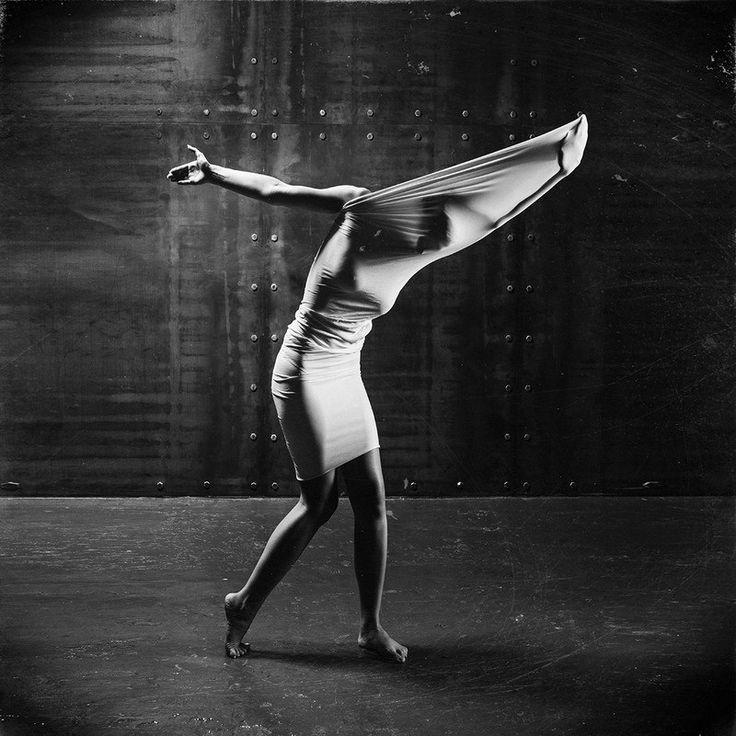 Editors' Selection 2018-03-20 » psychedelic dance « Ⓒ Photographer Kostiantyn Baran  https://strkng.com/s/gpj  Mood / Europe / Ukraine / Kyiv https://strkng.com/en/photographer/Kostiantyn+Baran/    #strkng #Mood #Kyiv #Europe #Ukraine #Kostiantyn_Baran #bestof #international #contemporary #photography #incomprehensible #psychedelic #mood #girl #woman #secret #mystic