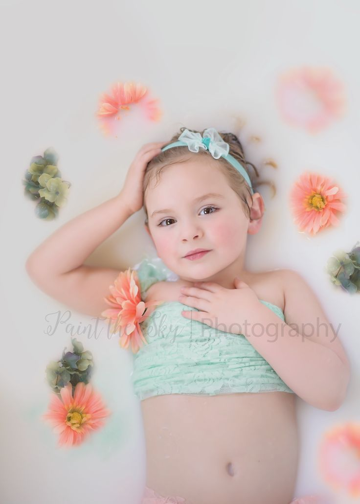 Child photography milk bath photo birthday picture 4 year for Bathroom photoshoots