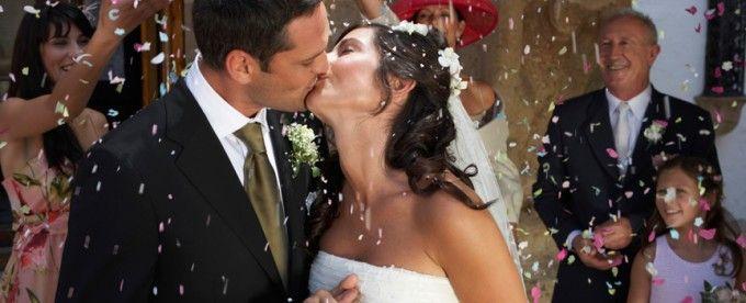 Servicio fotográfico de matrimonio. Inmortaliza este día. Por que cada momento importa, podrás tener fotos de la ceremonia del registro civil, la iglesia y la recepción con tus invitados.