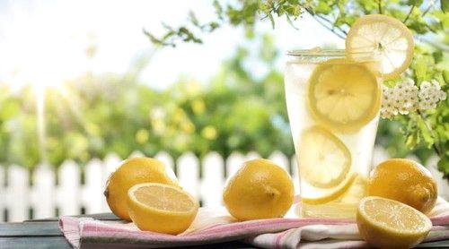 Зачем по утрам пить воду с лимоном - Infox.sg