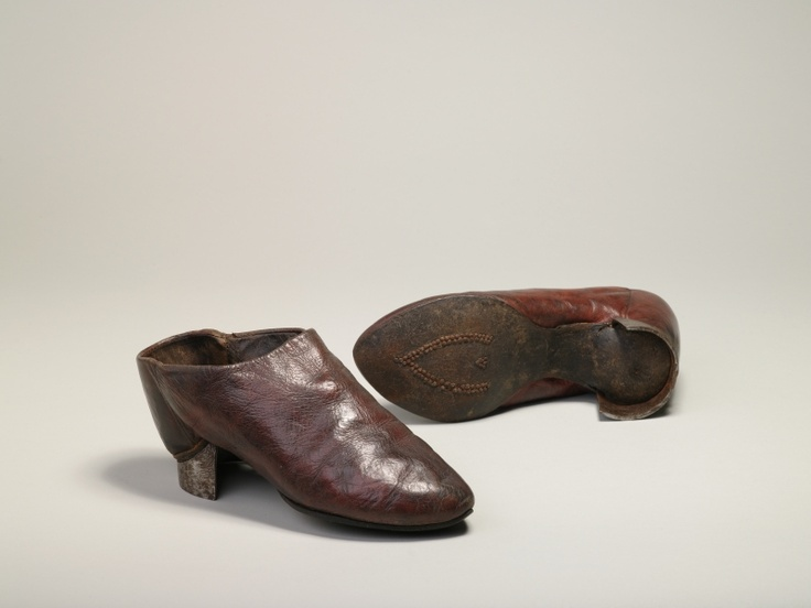 Turkish riding shoes, leather lined with leather with leather soles and iron heels, 1569, Turkish.