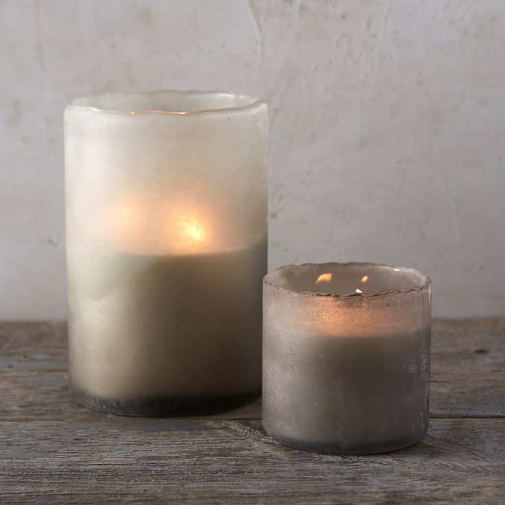 "The scents of spruce, fir needles and balsam blend to create this terrain-exclusive candle in a frosty glass vessel. Combining natural soy wax, lead-free cotton wicks, and pure scents, Linnea's Lights clean-burning candles are carefully hand-poured in small batches.- A terrain exclusive- Soy wax, fragrance and essential oils, cotton wick, glass- Hand-poured in the USASmall:48 hour burn time14 oz.Double cotton wick4""H, 4"" diameterLarge:100 hour burn time40 oz.Triple cotton wick8.2""H, 5.4""…"