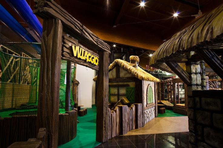 Play Mart - Struttura di gioco installata in un Family Entertainment Center (particolare: ingresso al Villaggio)