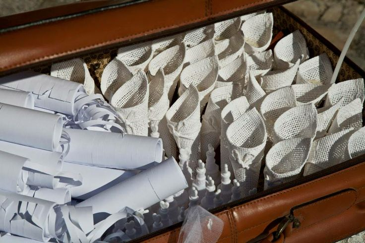 Porta coni e Stelle filanti dopo cerimonia