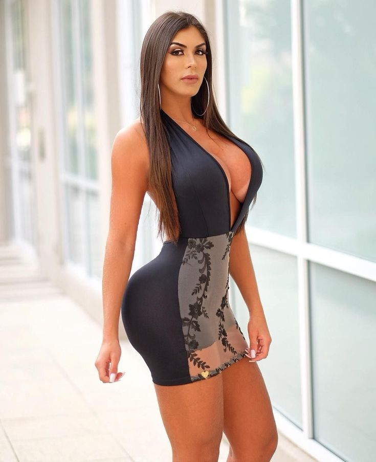 and-sexy-latina-girls-in-tight-play-wolf-monster