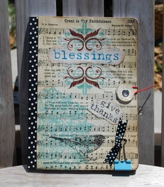 1000 Gifts Journal  --- I know how to make this!! I need to make one and start this fun challenge in january.