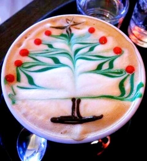 #Christmas tree #coffee latte :*¨¨*:·.Coffee ♥ Art.·:*¨¨*: