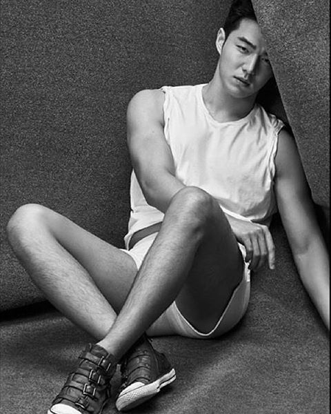 #최용호 ( @yongho_choi ) #ChoiYongHo#lofficielhommes ( @lofficielhommes_kr )…