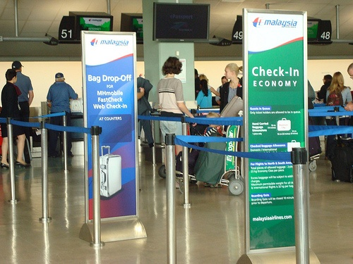 http://airlinepedia.net/how-to-fly-standby.html Proven methods to fly standby, advice and tips. The main air carriers have got totally different procedures with regard to traveling standby, read through this blog post to know the correct way to do this. Check-in