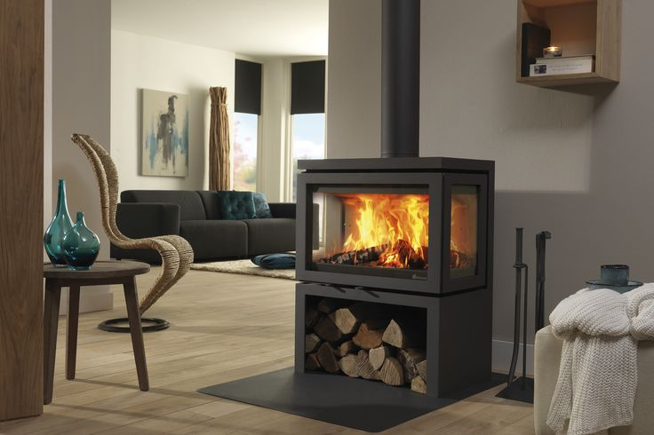 Three-sided wood stoves such as the Vidar Triple offer optimum flame pictures from various positions in the living space. In this instance the stove is also equipped with heat reflective infrared glass, which helps to attain an efficiency rating of as much as 88%!    The Vidar Triple comes in anthracite and has a large door with two points of closure for extra stability.