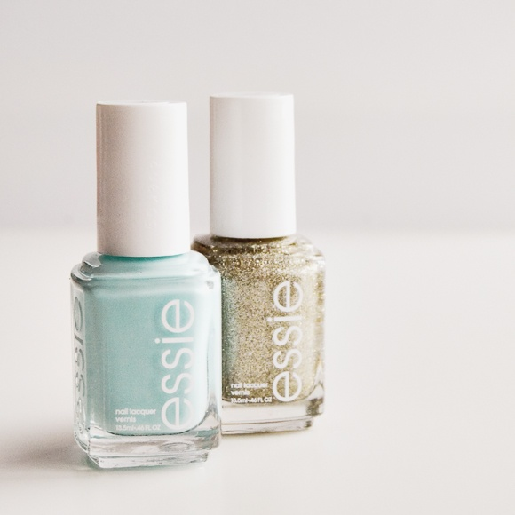 Essie Mint Candy Apple & Beyond Cozy. swoon!