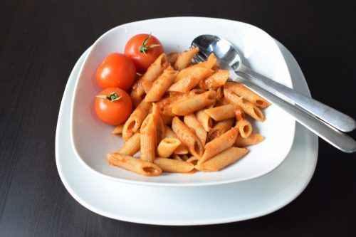 Volkoren penne in tomatensaus - Powered by @ultimaterecipe