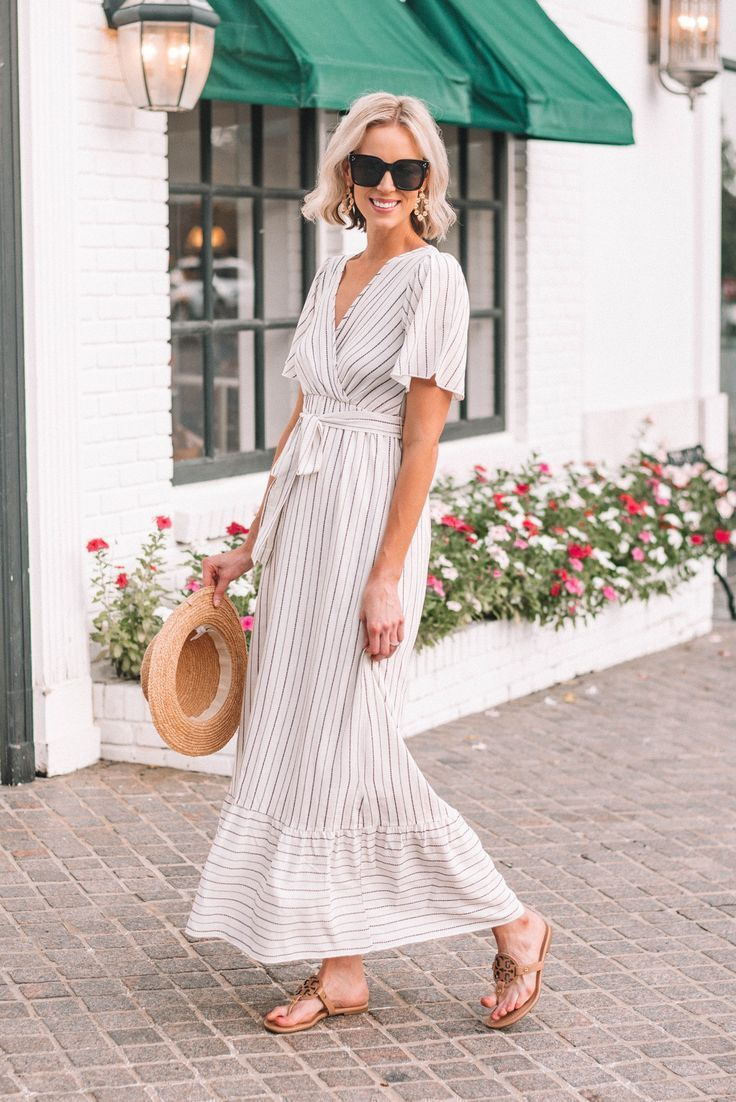 gorgeous striped summer maxi dress  Summer maxi dress, Maxi dress