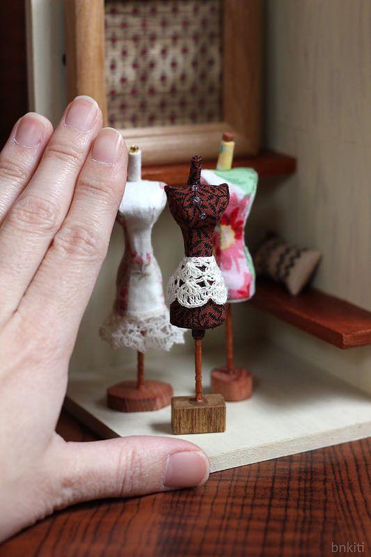 les 111 meilleures images propos de mens miniatures sur pinterest n uds papillon cravates. Black Bedroom Furniture Sets. Home Design Ideas
