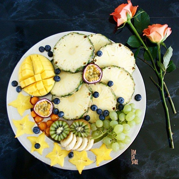 Raw food like fruits and veggies gives your body loads of fibers!