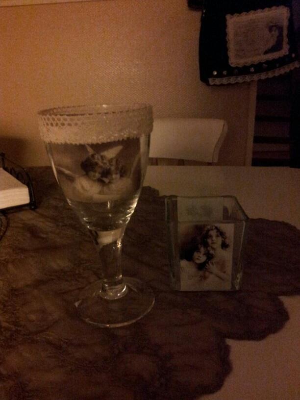 Decupage on glas :)