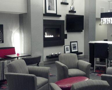 Hampton Inn & Suites DuPont, WA - Hotel Lobby