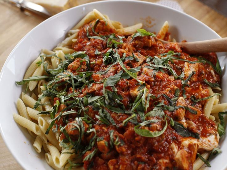 Chicken Mozzarella Pasta recipe from Ree Drummond via Food Network - AWESOME AND EASY JAS 4/16
