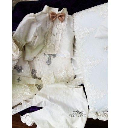 Vaftiz Kıyafetleri ve Vaftiz Hediyeleri hakkında daha fazlasını SÜSLÜ COLLECTİON'da görün.  Bizimle iletişime geçin whatsapp: 0538 550 38 73 #vaftiz #seti