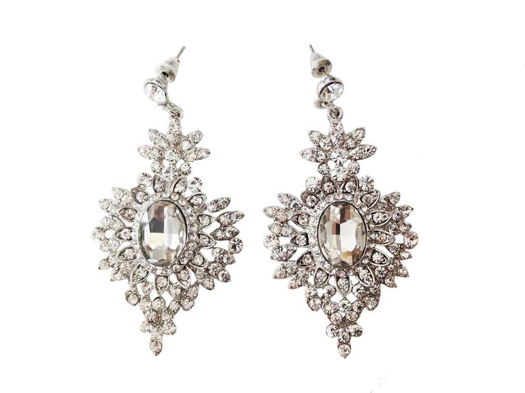 Stunningcrystal chandelier earrings perfect for your wedding day or a night out. Measures approximately 2.5″ in length