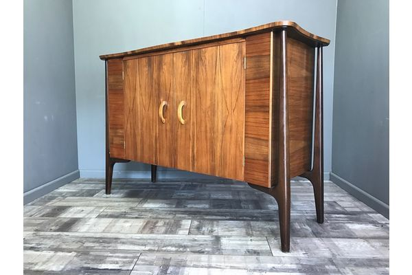 Stunning Retro Everest Walnut Sideboard   Vintage Cabinet Cupboard Unit Hifi | Vinterior