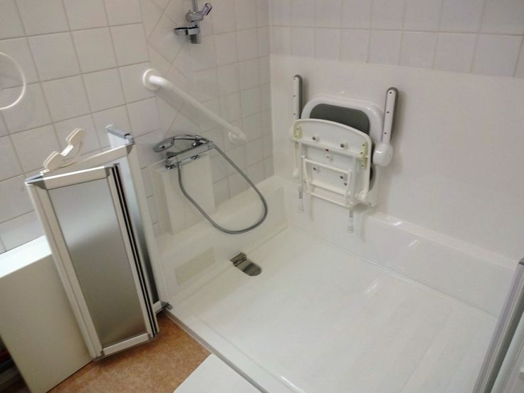 les 25 meilleures id es de la cat gorie rampe pour fauteuil roulant sur pinterest fauteuils. Black Bedroom Furniture Sets. Home Design Ideas