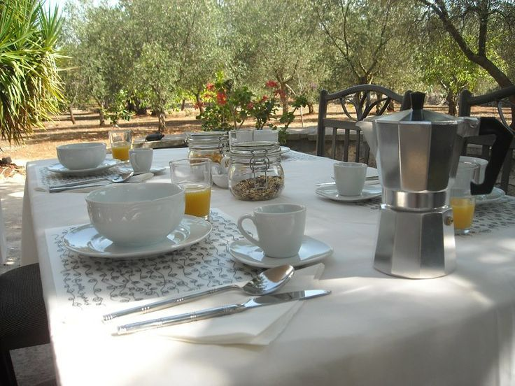 Breakfast in Italy anyone? Here's the olive grove breakfast table with our hosts Mark and Raye in Ostuni, Italy.  http://www.homestay.com/italy/ostuni/17668-homestay-in-parco-monsignore-ostuni