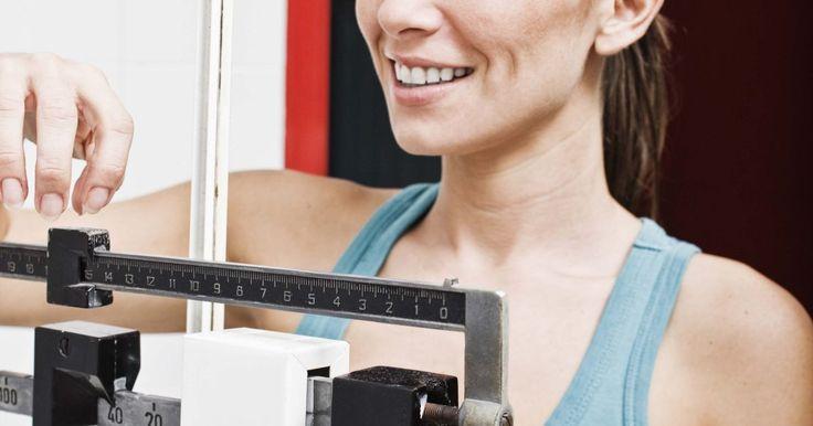 Como ter mais sucesso na dieta HCG. A dieta da gonadotrofina coriônica humana, ou hCG, foi desenvolvida em 1954 pelo Dr. Albert Simeons. Simeons descobriu que a utilização de hCG em conjunto com uma dieta de baixas calorias resultaria em uma perda de peso moderada, bem como no aumento do metabolismo, uma vez que o plano de dieta fosse completado — esse plano pode possuir 26 a 43 ...