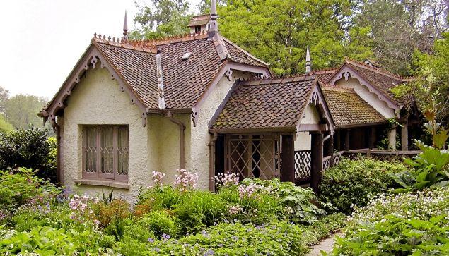 Romantická zahrada poanglicku za českými humny