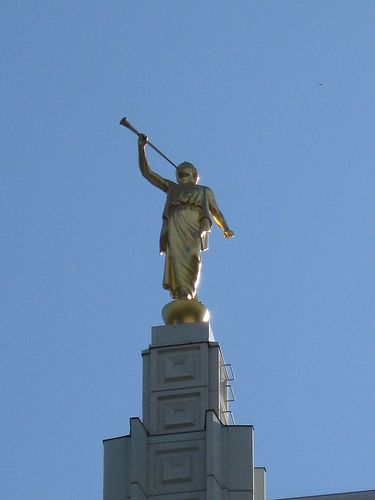 ... why I love being Mormon - Idaho Falls LDS Temple, Moroni Statue / http://www.mormonproducts.net/?p=207 | Everything LDS and More | Pinterest | Lds tem…