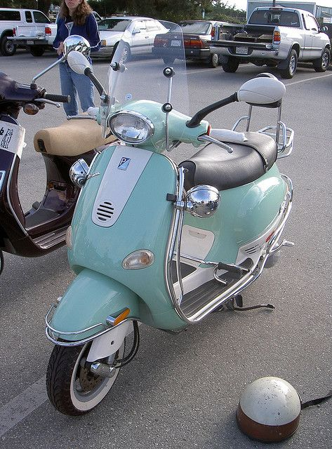 Vespa ET4 custom by Bagel!, via Flickr