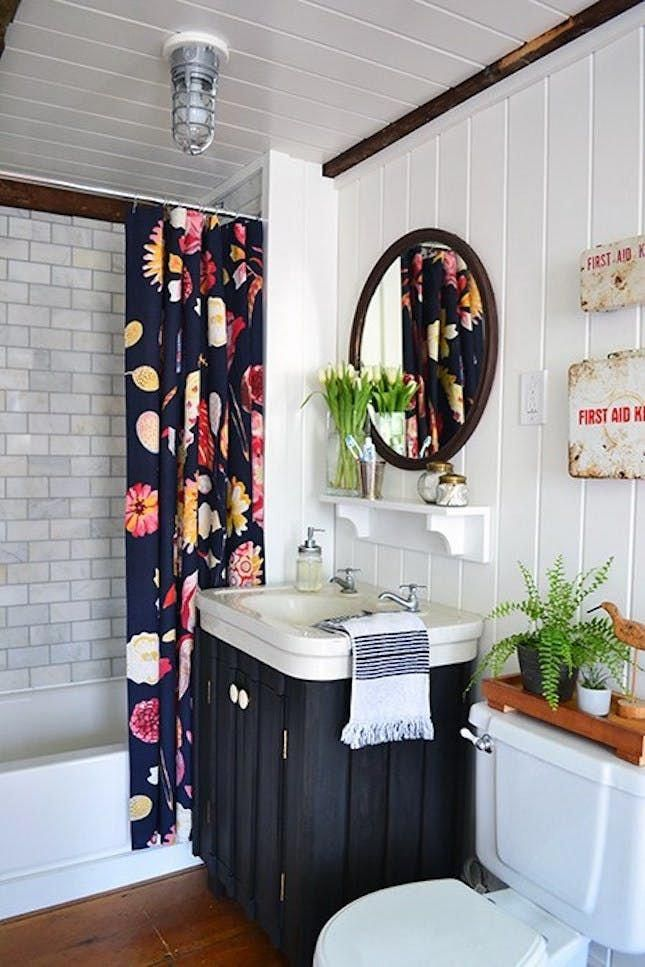 Prior To You Acquaint Yourself With What You Need To Do If You Discover Mold In Your Bathroom It Is Nece Guest Bathroom Renovation Decor White Plank Walls