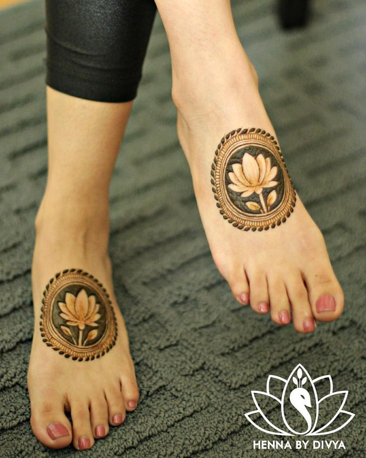 "3,432 Likes, 39 Comments - Divya Patel (@hennabydivya) on Instagram: ""The lotus flower is one of my favourite elements to incorporate in my designs. Partly because of…"""