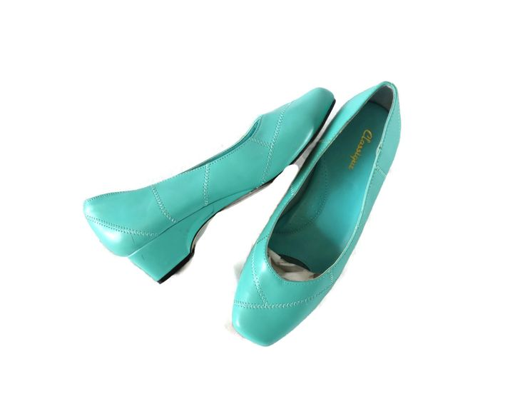 Mint Shoes / Mint Heels / 80s Shoes / 80s Heels / Seafoam Green Shoes / Vegan Shoes / Turquoise Heels / Square Toe Heels / Size 9 by GoodLuxeVintage on Etsy