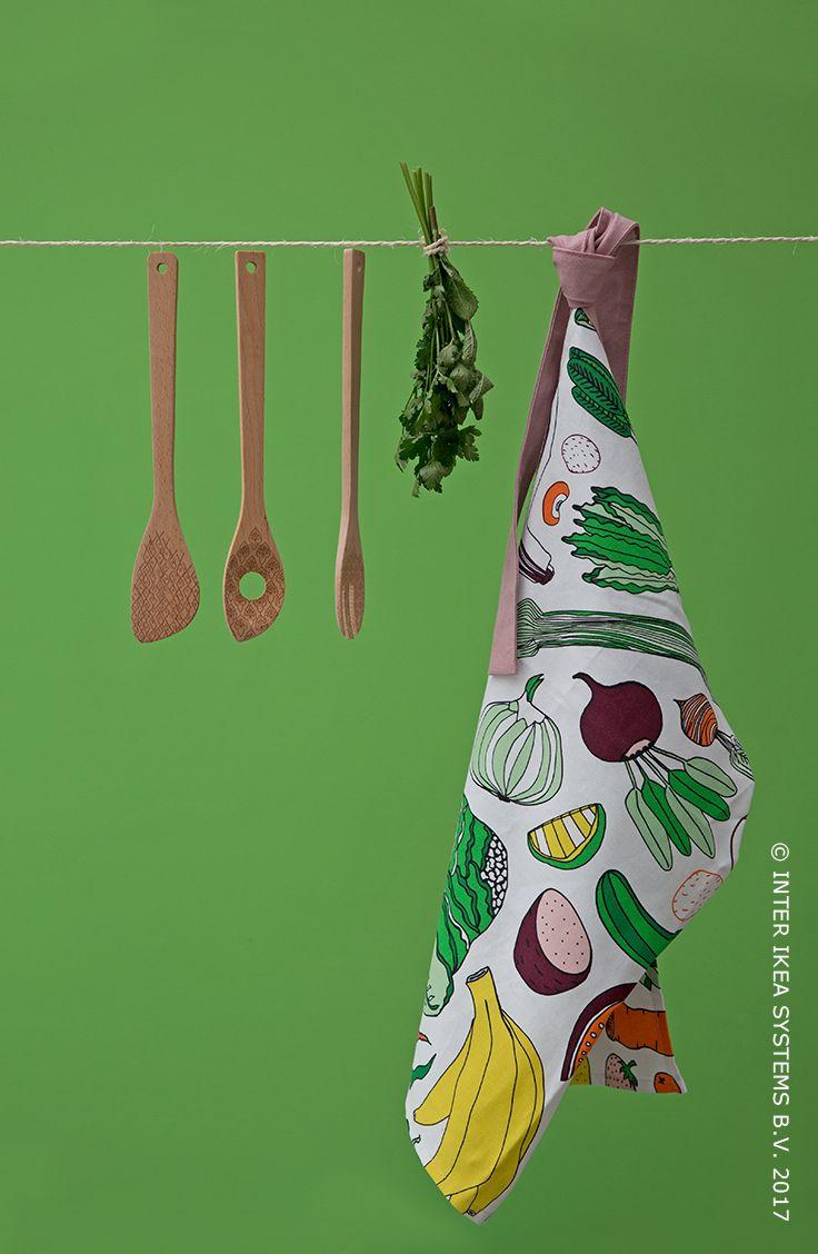 Van originele servetten tot kleurrijke kussens, ontdek onze tijdelijke collectie ÅTERSTÄLLA, in samenwerking met De Kringwinkel Ateljee. ÅTERSTÄLLA Schort, 9,99/st. #ÅTERSTÄLLA #TijdelijkeCollectie  From original napkins to colorful pillows, discover our Limited Edition Collection ÅTERSTÄLLA, in collaboration with De Kringwinkel Ateljee. ÅTERSTÄLLA Apron, 9,99/pce. #ÅTERSTÄLLA #LimitedEditionCollection