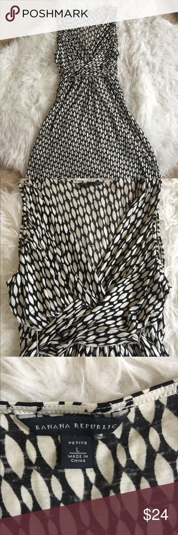 Banana Republic Silk & Linen Faux Wrap Dress So pretty! Faux wrap dress from Banana Republic. Black and white design. Belt around back to tighten as you please to give more curve. Made of silk and linen. Size Petite Large. Banana Republic Dresses