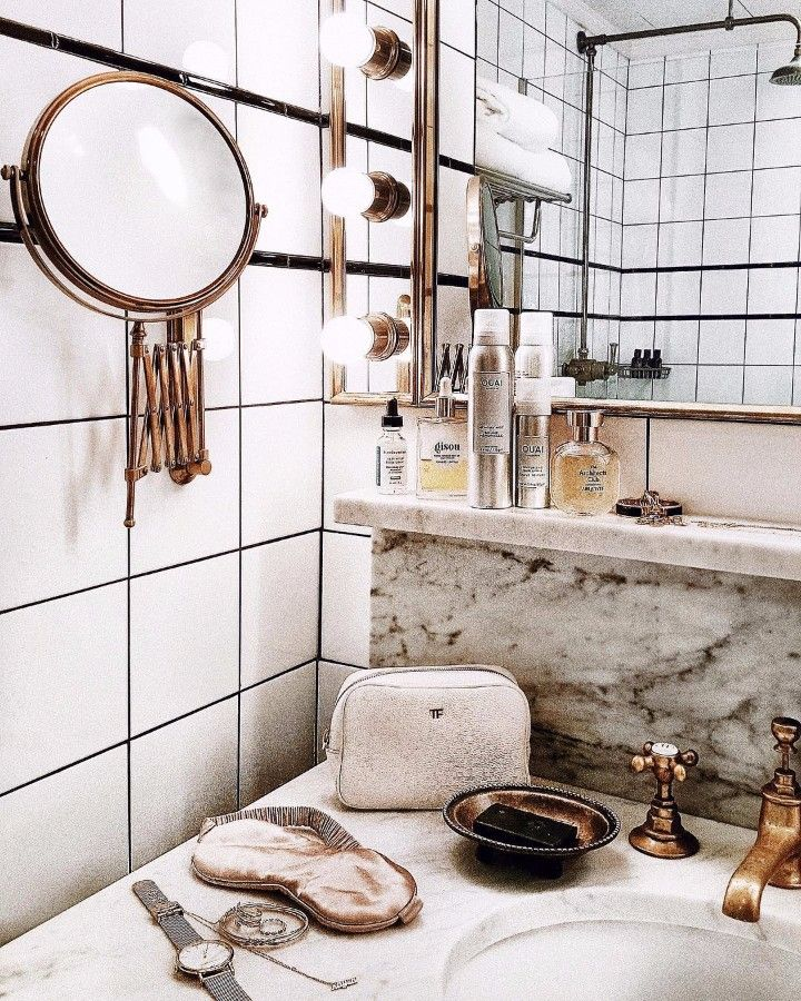 The Most Instagrammable Hotel Bathrooms in the World | www.bocadolobo.com #homedecorideas #homedecor #hotelbathroom #bathrooms #instagram #instagramable #decorations #photogenic #interiordesign @homedecorideas hotel bathrooms The Most Instagrammable Hotel Bathrooms in the World The Most Instagrammable Hotel Bathrooms in the World 2