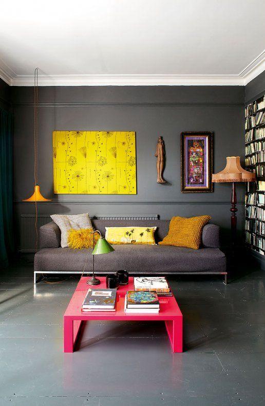 Un salon contemporain aux couleurs vitaminées