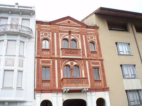 """Rosso a Udine - la casa di """"coccio"""" in Via Liruti by Emanuela Vicedomini."""