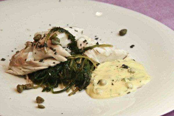 λαβράκι σε κρούστα αλατιού με συνταγή από το 330 π.Χ.