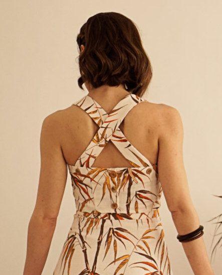 Tapa de dos piezas tropicales / cosecha superior / verano Vintage / tapa superior / Vintage camisa madera botones arriba de ComelyBop en Etsy https://www.etsy.com/es/listing/458367918/tapa-de-dos-piezas-tropicales-cosecha
